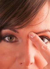 tapping-eye